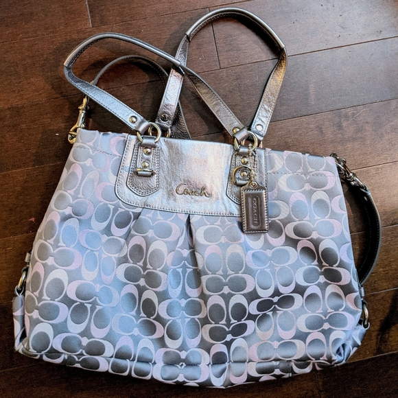 Excellent used condition Coach bag